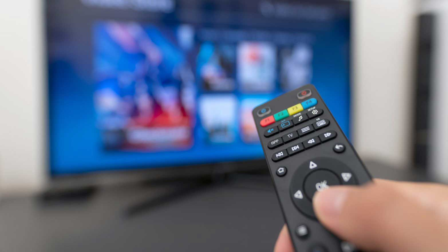 remote-pointing-at-tv